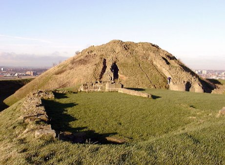 Sandal Castle remains looking north, Dec. 2000